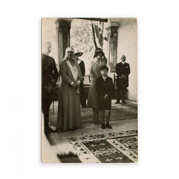 Regina Maria alături de Regele Mihai, fotografie de epocă, atelier Foto Royal, cca. 1928