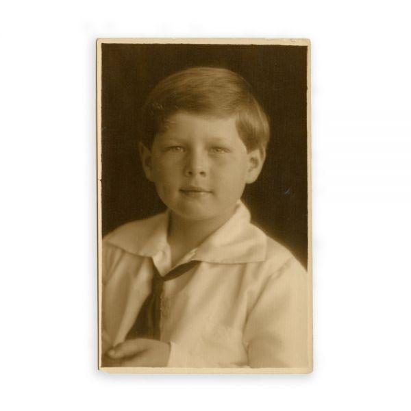 Regele Mihai în copilărie, fotografie tip carte poștală