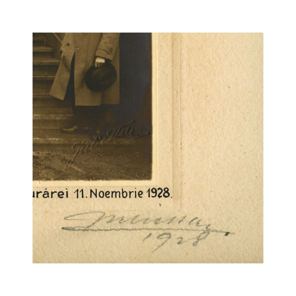 Vizita Familiei Regale la Liceul Regele Mihai I, 1 Noiembrie 1928, fotografice cu semnătura atelierului Julietta