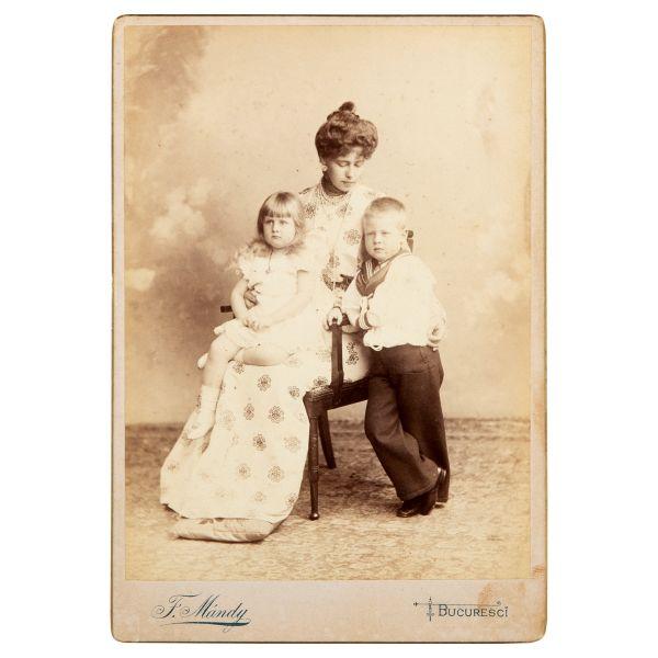15. Principesa Maria cu principele Carol și principesa Elisabeta