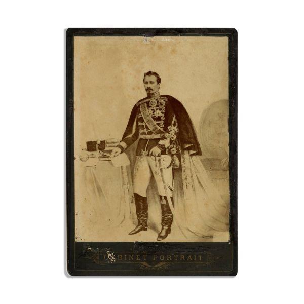 Alexandru Ioan Cuza, fotografie de cabinet, atelier H. Leon