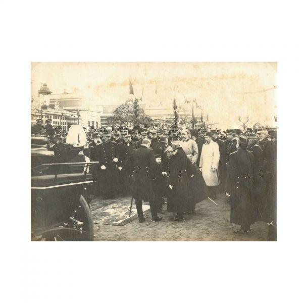 Regele Carol, Principele Ferdinand și prințul Carol în timpul unei manifestații militare din 28 Noiembrie 1900