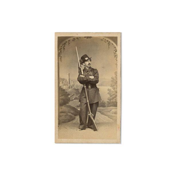 Poliția Capitalei, două fotografii de epocă, atelier F. Duschek