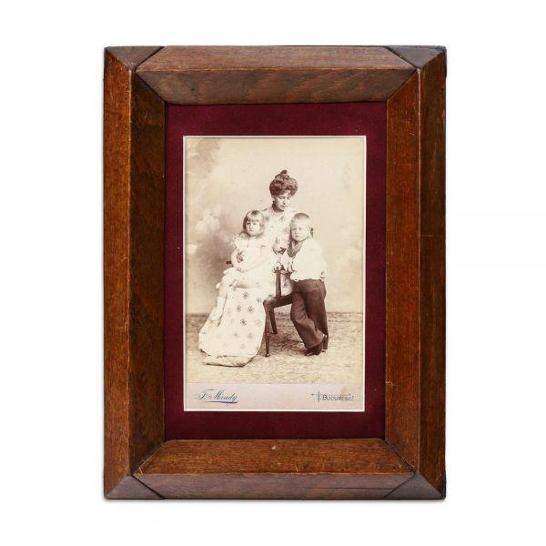 Principesa Maria alături de prințul Carol și prințesa Elisabeta, fotografie de cabinet, atelier F. Mandy, cca. 1898