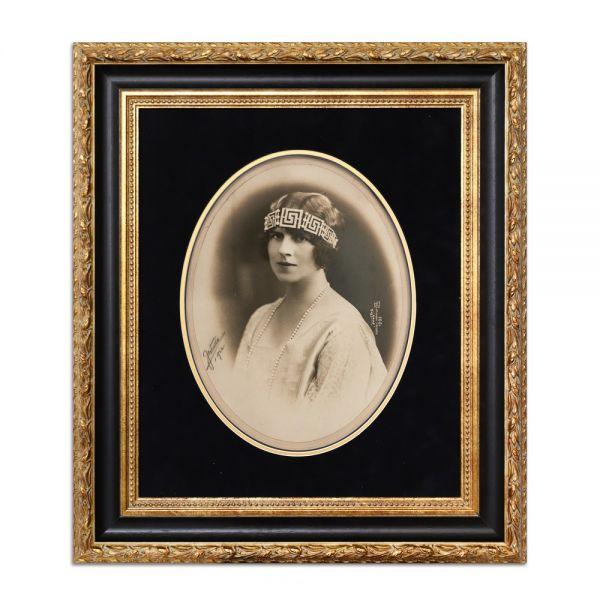 Principele moștenitor Carol al II-lea și Principesa Elena, set de două fotografii de mari dimensiuni, cu semnătura atelierului fotografic Julietta, 1922